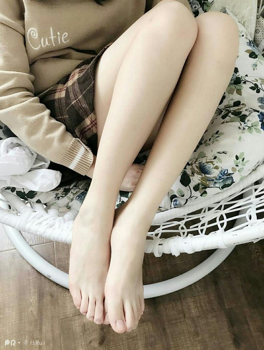 腿控福利:PR社妹纸辛杜RUI[44套]作品分享[366P/52V/2.66G]