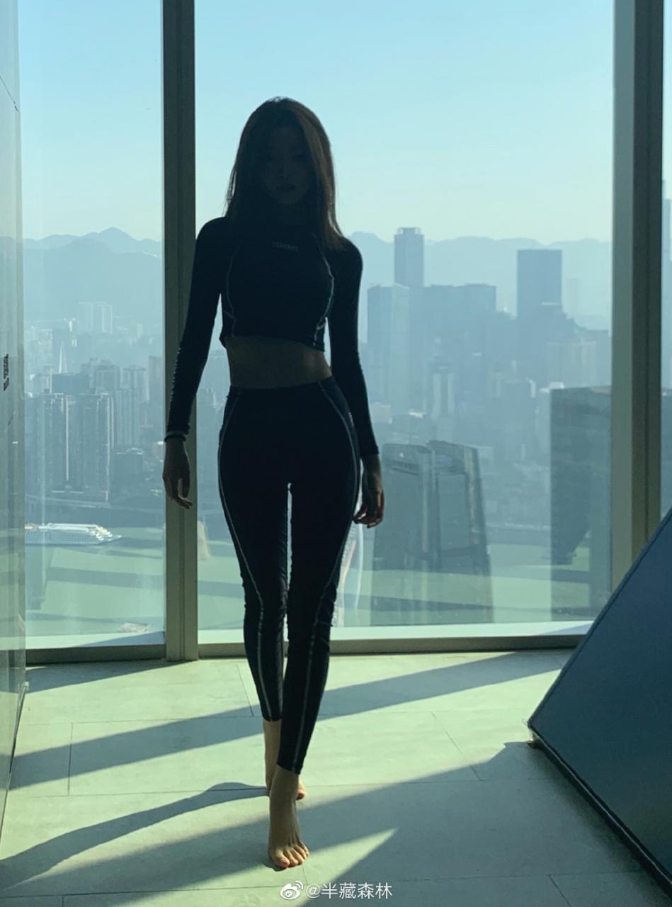 """半藏森林又火了,因王思聪给她评论""""真不怪刘阳"""" yyloser.com 找点图片 第6张"""