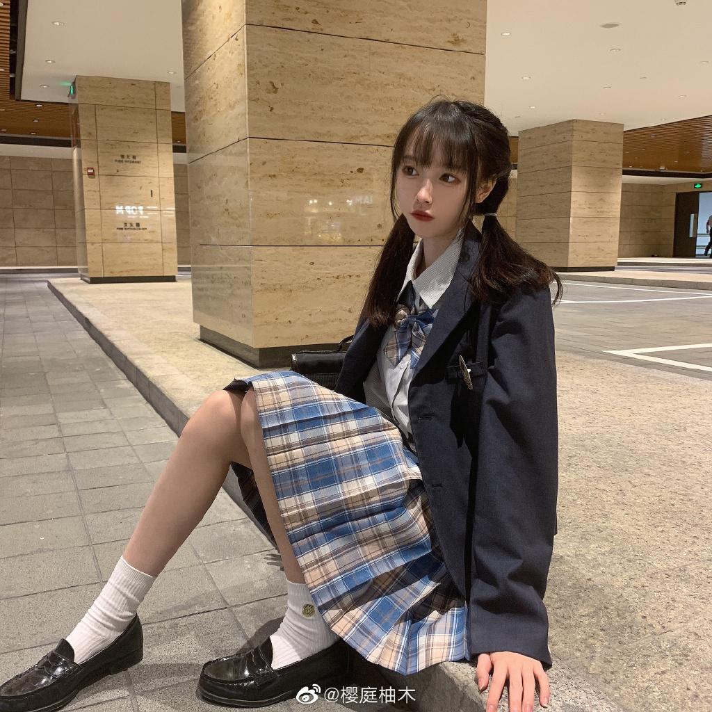 COS妹子推荐@樱庭柚木 JK少女制服驾驭着 附美图合集[1254P/3.24G] 找点图片采集发布7N5.NET