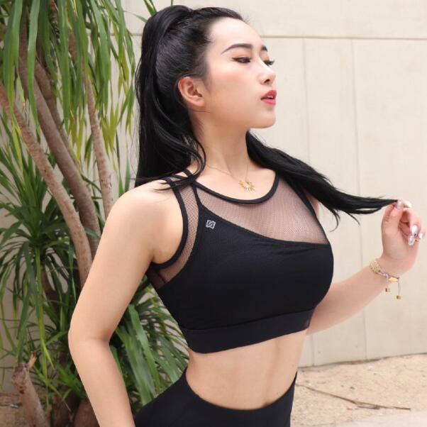 妹子图 00后健身博主身材炸裂@叶小美儿