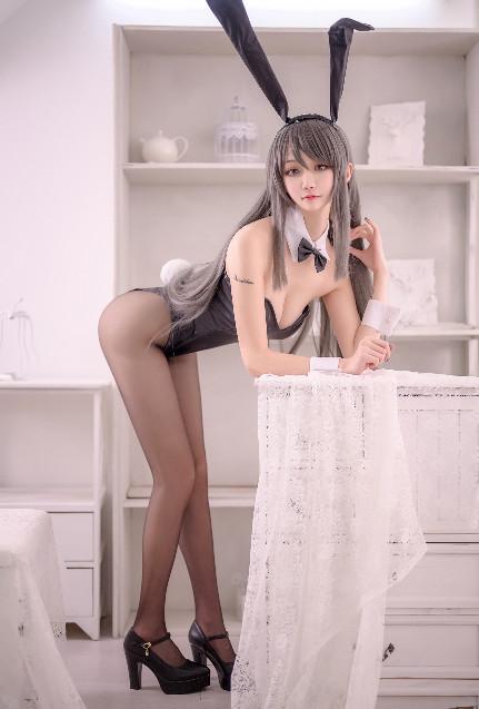 COS 沧霁桔梗—兔女郎