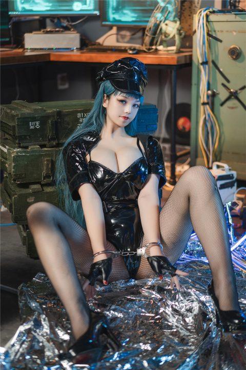 【COS】 蜜汁猫裘最新三套 女仆+圣诞2020+女警2【127P4V1.13G】【秒传】