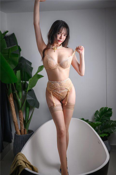 【COS】秋和柯基 – 裸色蕾丝吊袜带套装 +性感群狼【56P1V-1.30G】【秒传】