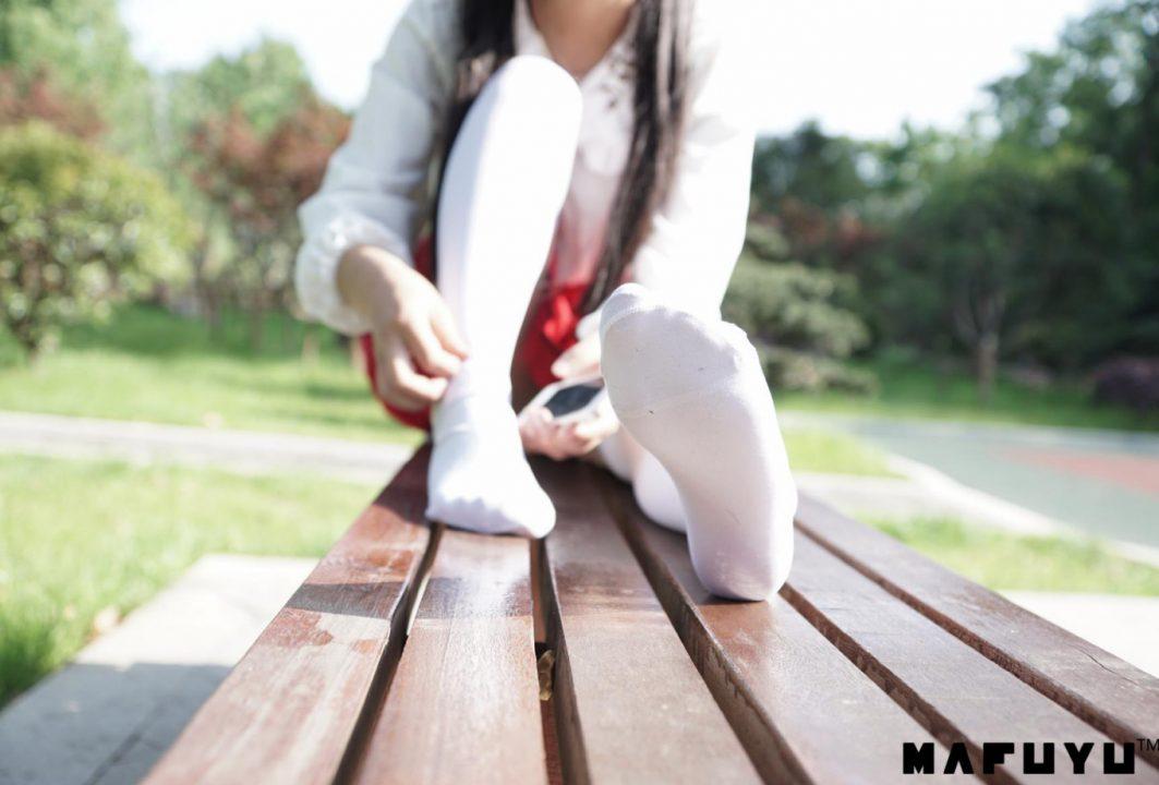 COS@神楽坂真冬 – 红JK白过膝系列 【187P 2.35G】