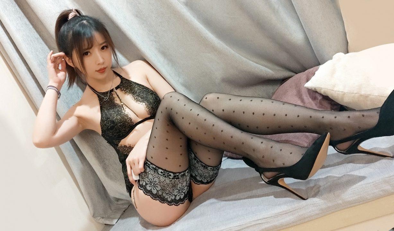 COS@小女巫露娜 蕾丝亮钻黑色长筒【40P-198MB】